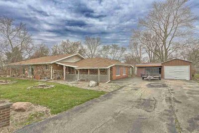 601 North High Street Bement Four BR, Looking for a home with a