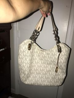 Micheal kors Lilly purse