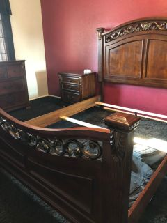 Rich brown queen size bedroom set needs to be gone TODAY