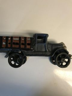 ALL METAL TOY TRUCK