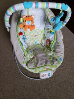Baby bounce seat