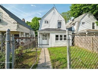 3 Bed 2 Bath Foreclosure Property in Glen Cove, NY 11542 - Austral Ave