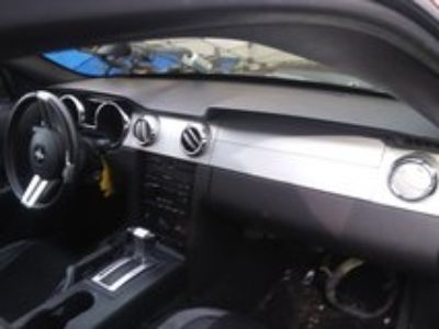 mustang. 2006 Complete Dash and all wiring
