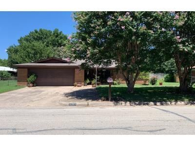 3 Bed 2 Bath Preforeclosure Property in Haltom City, TX 76117 - Lower Birdville Rd