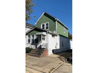 3 Bed 3 Bath Foreclosure Property in New Hyde Park, NY 11040 - Lewis Ave
