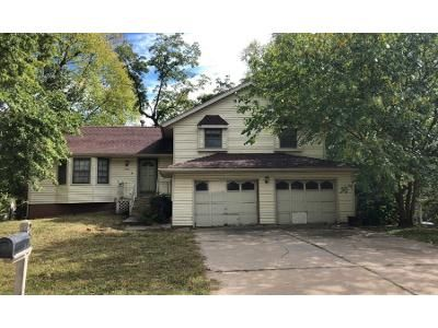 1 Bath Preforeclosure Property in Kansas City, MO 64152 - N Stoddard Ave