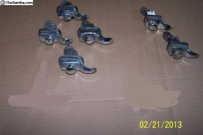 Engine cover latches