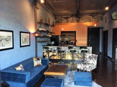 $2100 1 loft in Inner Loop