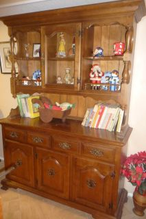 Early American Hutch/China/Display Cabinet, Table, &Chairs Set