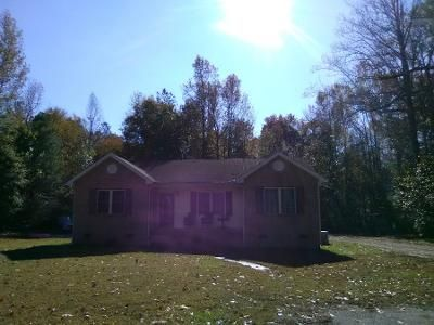 1 Bath Preforeclosure Property in Montross, VA 22520 - Hard Corner Rd