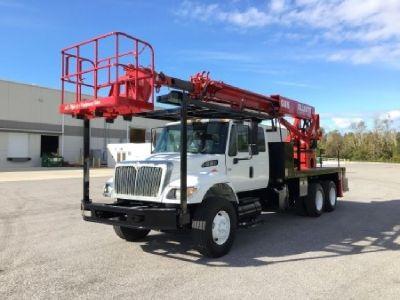 Elliott G85R Sign Crane Sign Truck For Sale