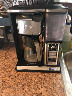 Ninja coffee bar with frother
