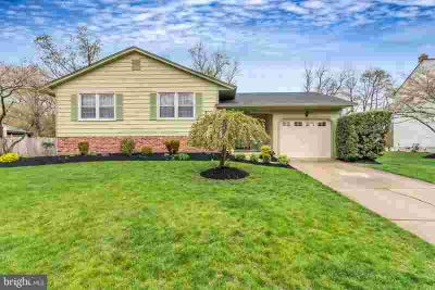 16 Spinning Wheel Ln Clementon Three BR, All I can say is WOW!