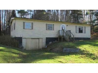 4 Bed 1 Bath Foreclosure Property in Albany, VT 05820 - Vt Route 14 N # 14n
