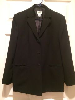 Talbots brand sz 12 black dress jacket with front pockets and 3 buttons great with dress pants or for work/ church