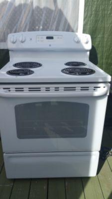 GE Electric stove