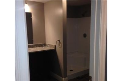 2 bathrooms, House - come and see this one. Washer/Dryer Hookups!