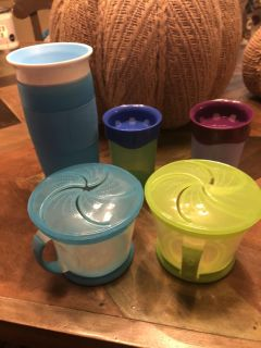 3 sippy cups 2 snack cups