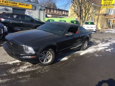 2005 Ford Mustang V6 Deluxe 2dr Fastback