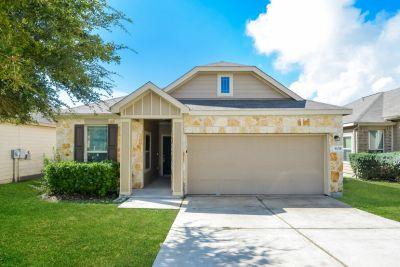 $1495 3 apartment in NE San Antonio