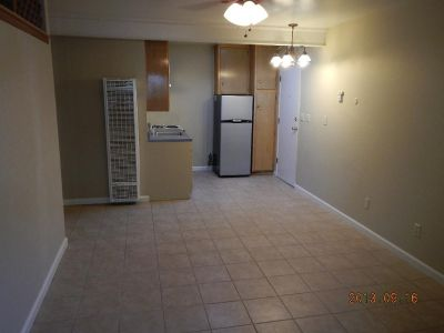 1 bedroom in Hanford