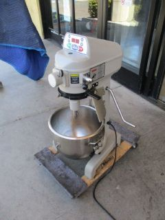 Globe 20 Quart Mixer With Attachments RTR# 8051519-32