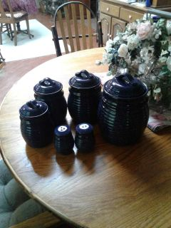 Canister set with salt and pepper