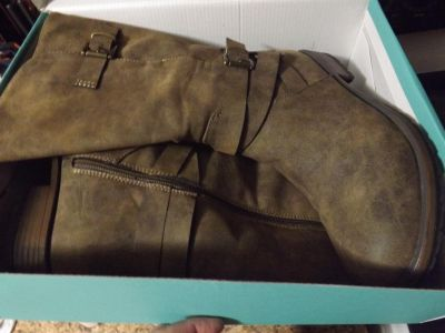 Maurices Womens Boots Size 10M