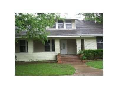 4 Bed 3 Bath Foreclosure Property in Wills Point, TX 75169 - E James St