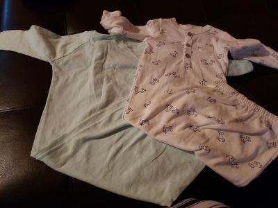 Lot of girls 0-3 month Gowns (6) All in EUC and some never wore.