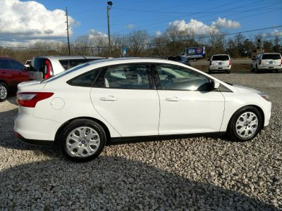 2012 Ford Focus SE (White)