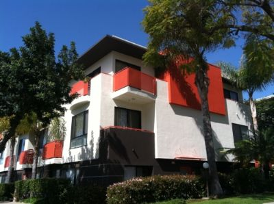 $4400 2 apartment in West Los Angeles