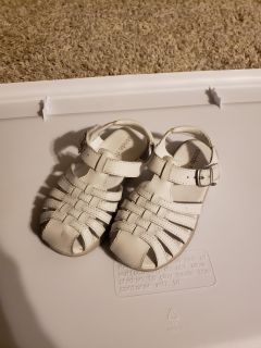 White Stride Rite sandals size 9.5 toddler