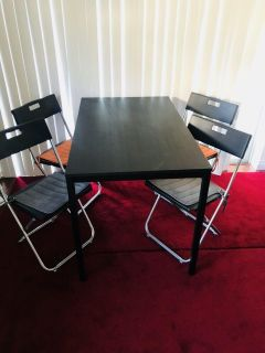 Table with chairs Black NEW!