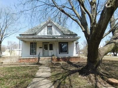 3 Bed 1 Bath Foreclosure Property in Albion, IA 50005 - E Brown St