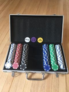 Poker set with carrying case