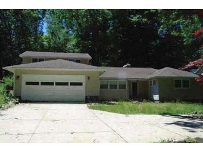 3 Bed 1.0 Bath Preforeclosure Property in Independence, OH 44131 - Crossview Rd