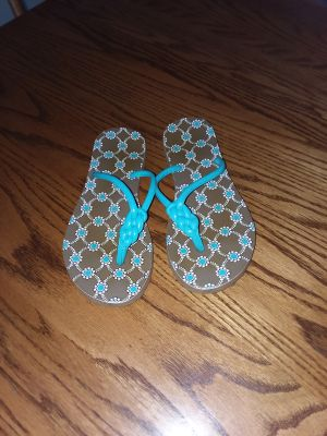 Women's 7-7 1/2 Vera Bradley teal leather strap flip flops like new excellent condition swip to see pics