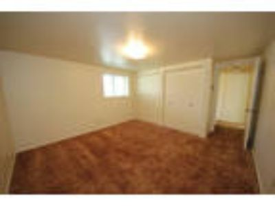 Apartment in move in condition in Pocatello. $440/mo