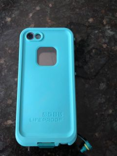 Life proof case for IPhone 5