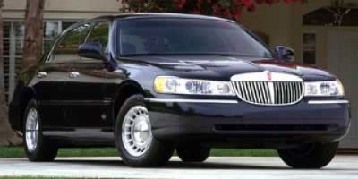 2001 Lincoln Town Car Executive (Beige)