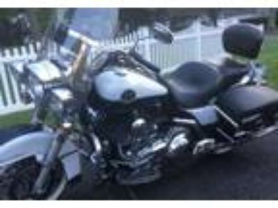 2008 Harley-Davidson FLHRC-Road-King-Classic Touring in Holtsville, NY