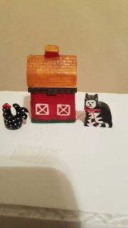 3 pc Miniature Barn, Cat & Rooster Set