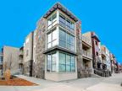 Broomfield, CO Luxury Apartments For Rent Right in the Heart of Arista!