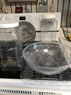 Plastic bowl, platter and 2 large storage containers