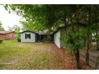 3 Bed 2 Bath Foreclosure Property in Interlachen, FL 32148 - Lake Shore Ter