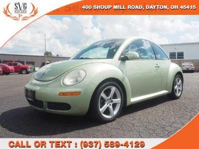 2009 Volkswagen New Beetle Base (Green)