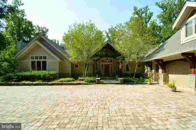 1363 Kirby Rd MCLEAN Five BR, Custom Built Pegged Post & Beam