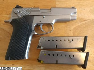For Sale: S&W Model 1066 10MM