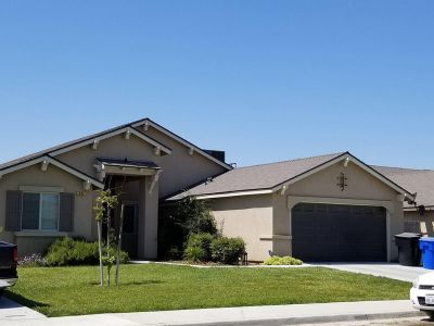 4 bedroom in Hanford